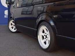 ■新車CRSパッケージ!ハイエース・キャラバン専門店のCRSが自信を持っておすすめするコンプリート車両です。※www.crs9000.com