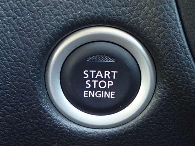 【プッシュスタート】キーが車内にあれば、エンジンの始動・停止はブレーキを踏んでスイッチを押すだけ!キーを取り出す手間を省き、ワンプッシュで操作するので簡単でスムーズ!