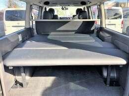 車中泊にも便利なベッドキット付きです!