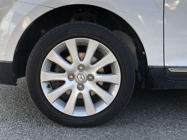 この度は、当社のお車をご覧頂き誠にありがとうございます。お車の状態や、装備の詳細は無料通話のフリーダイヤル0066-9711-312370へご連絡ください。担当者がご案内させていただきます