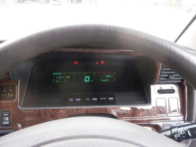 機関良好トヨタハイエース スーパーカスタムリミテッド トリプルムーンルーフ タイベルWポンプ交換済。自社名変前法人ワンオーナー禁煙車。車検平成33年3月21日迄。乗り出し価格です。お気軽にフリーダイヤルまで