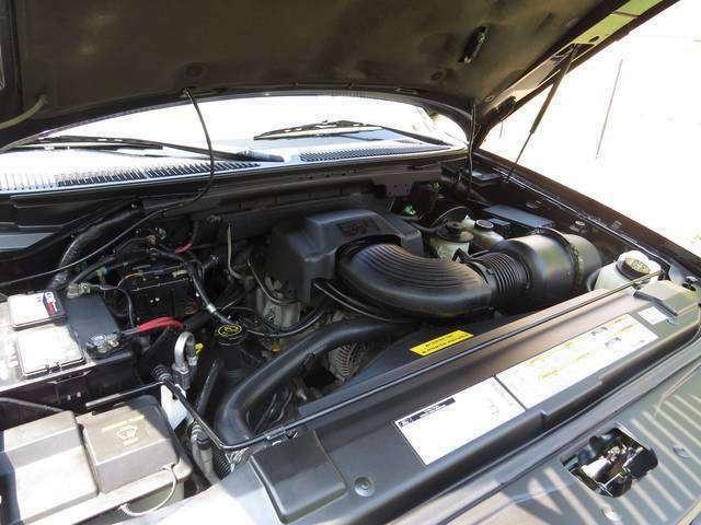 綺麗なエンジンルーム!!現在のところ、不都合はありませんが、点検整備後の納車ですので遠方の方もご安心下さい。