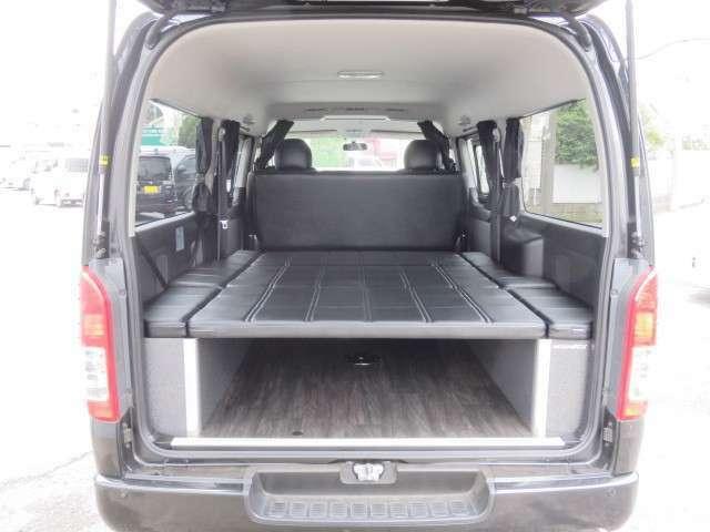 高品質のベットキット装備しています。ベット下は収納スペースとしても活用できます。