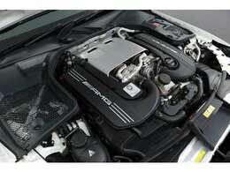 <主要諸元>4.0L V型8気筒DOHCツインターボ 510ps/71.4kgm