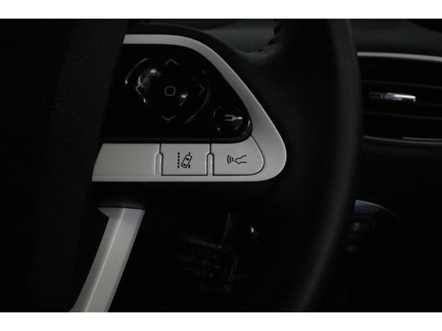 ■ハンドルスイッチ■オーディオ操作などをハンドルから手を離さずに行えます!スイッチを見なくても操作はしやすいよう、機能のゾーン分けを配色と形状で明快に表現♪視線移動が少なく、スムーズな操作が可能です!