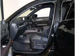 AISの品質基準を満たしたお車には10段階の評価点が記載された「車輌品質評価書」が発行され、車の状態がひと目でわかります。当店全車両お車を選ばれるずべての人に安心を心がけ販売しております