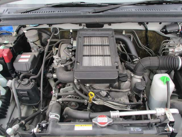 エンジンはタイミングチェーン式なので、走行10万km時のベルト交換は不要です。エンジンの調子も良好です。マフラーは新品に交換致します。