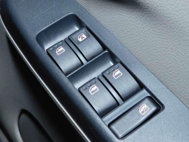 ボタンひとつで開閉可能【パワーウィンドウ】★