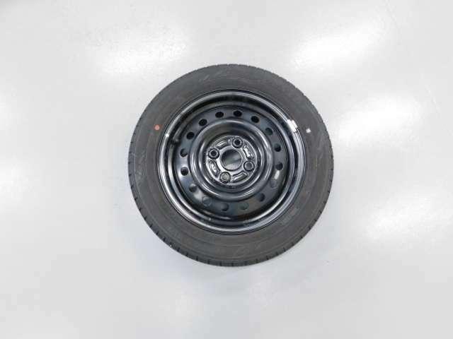 積込タイヤにはスチールホイールが装着です◎