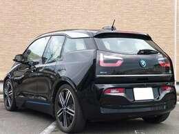 BMWメンテナンスパッケージの延長プランに加入していますので、2023年8月までの期間内ならオイルやワイパー等の交換が無料で受けられます(走行距離や日数等の条件アリ)