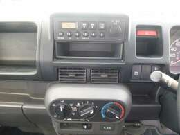 操作がカンタンで 扱いやすいデッキ装備。ドライブも楽しくなります。