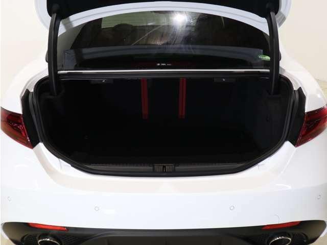 容量は480リットルと、こちらも競合車に引けを取らない大きさです!