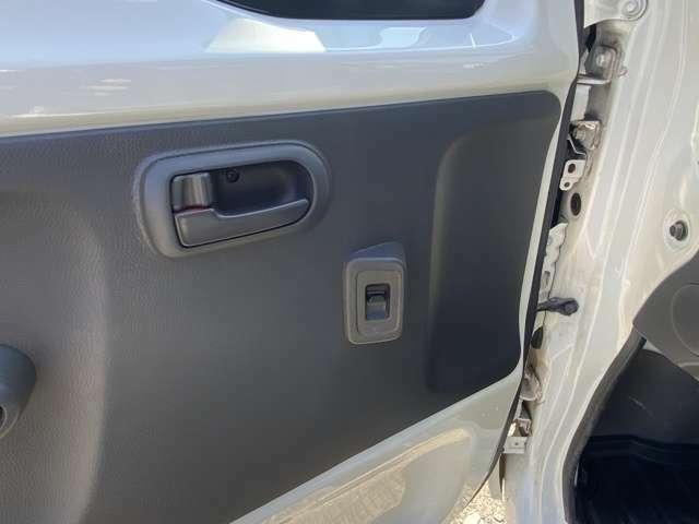 【納車】全国納車可能ですので遠方のお客様もご安心ください。登録、車庫証明も承っておりますのでご安心ください。