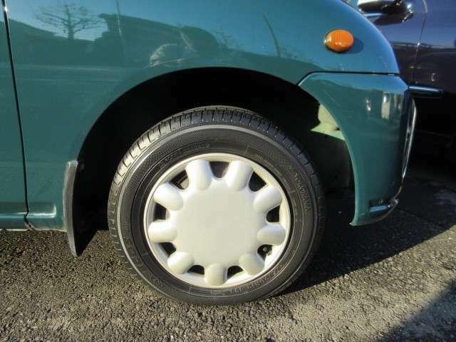 タイヤサイズ145/70R12 69Sついてます。
