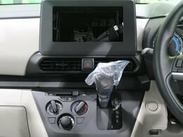 オーディオレス車輌ですので、これからお好みの社外ナビなどのお取付をオススメします☆只今店頭にて社外ナビも好評発売中です!!