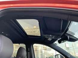 希少な電動ガラスサンルーフ付きCX-8 XD AWDです。手軽にオープン感覚が楽しめます。