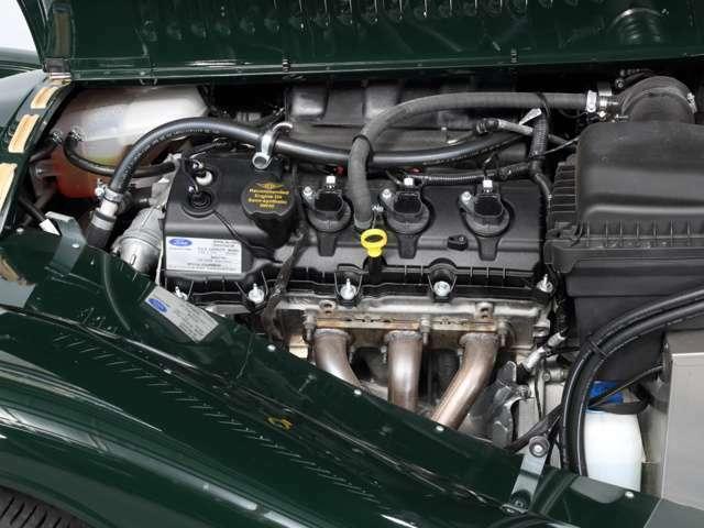エンジンはフォード製3.7リッターを搭載