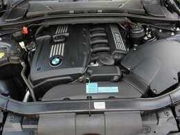 綺麗なエンジンルームです。2500cc☆6気筒黒エッドEG☆エンジンは高回転までしっかり吹け上がり、アイドリングも一定となっております。非常に良好です。■走行管理システムもチェック済みとなっております!