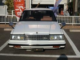 S58年トヨタマーク2セダンかなりカッコイイです希少な1台です前オーナーは当社友人です。高価、買取です外装も内装も素晴らしい綺麗です距離もまだまだ乗れます実10.3万kmお買い得