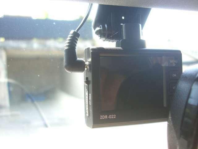 ミノシマオートサービスでは厳選した高品質・ 長寿命の油脂類(エンジンオイル・ギヤオイル・グリス等)でメンテナンスを行っています。安心快適に乗れるクルマに仕上げています!
