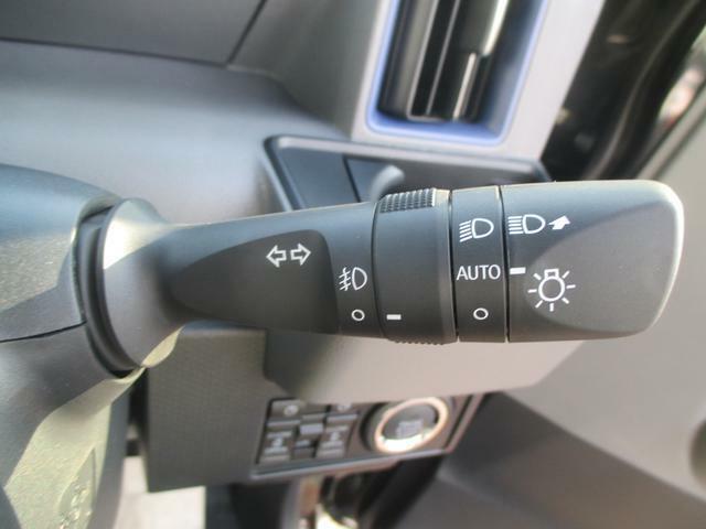 オートライトは最近の標準装備です。