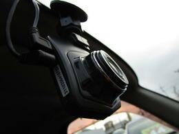 ■ 装備2 ■ ドライブレコーダー:いまや必需品と言っても過言ではありません!