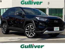 トヨタ RAV4 2.0 アドベンチャー 4WD セーフティセンス/純正ナビ/3連LEDライト