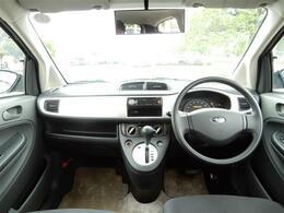【車内】車内はとてもシンプルな作りです!操作も簡単でどなたでもすぐに運転に慣れていただけると思います!視界もとてもいい車ですよ!