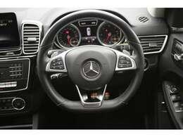 LIBERALA野々市はドイツのプレミアム御三家BMW・Mベンツ・Audiを中心に高品質な在庫を多数取り揃えております。3ブランドの違いを五感で較べて愉しんで下さい。新しい驚きと発見をお届け致します。