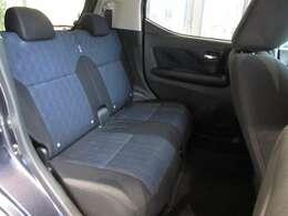 後席もゆとりのある広さを確保しております!