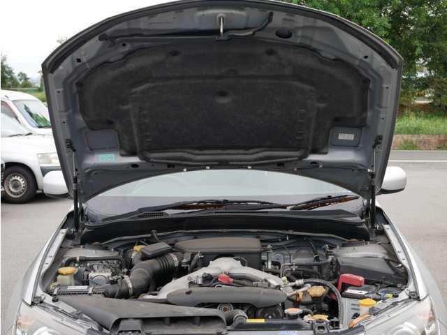 【エンジンルーム】エンジンルームも手を抜きません!しっかり整備してからのお渡しとなりますので安心してお乗りいただけます。