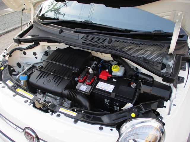 1.2リッター直列4気筒SOHC8バルブエンジン!たまに運転する高速道路や街乗り重視であれば、こちらのエンジンで十分!経済性も良く燃費はカタログ数値で19.4Km/L
