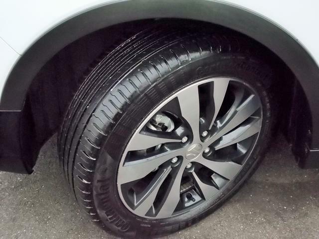 17インチのアルミホイールにコンチネンタル製の215/55R17タイヤを装着☆