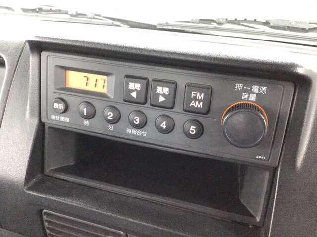 AM/FMラジオが付いています。