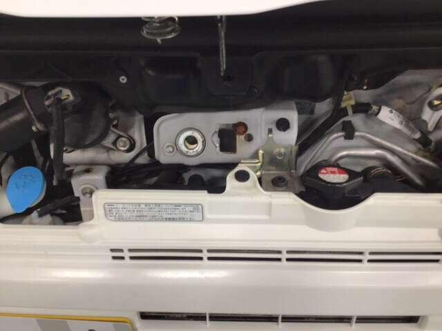 エンジンが後部にあるのでエンジン音が静かです。