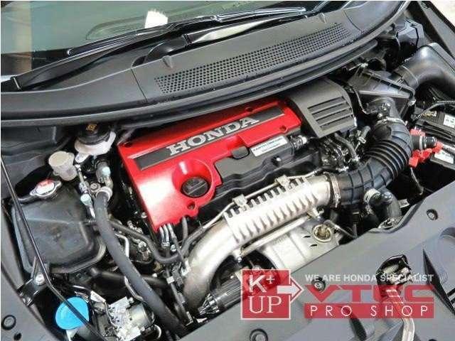 北米製造のK20C1ターボエンジン。メーカーが始めて純正搭載したスポーツVTECターボエンジンです。小型のタービンでどこからでも力強く加速するフィーリングは今までになかった物です。