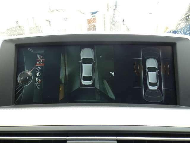 目視が難しい後方の映像を映し出すガイドライン付きバックカメラを搭載!障害物検知センサーの連動とトップビュー、サイドビューカメラも装備しておりますので、狭い箇所での運転や駐車の際に役立ちます!