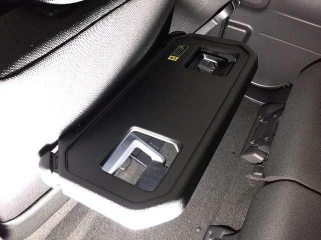 【シートバックテーブル】コンフォートパッケージのオプション装備も特別装備されております!