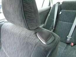 シートの座面にもスピーカーが付いています♪