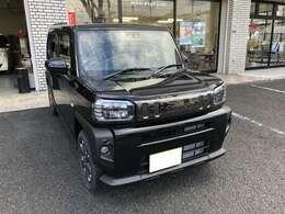 車体色は黒でメーカーオプションのブラックパック付きです。