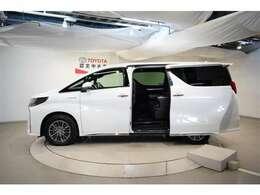 便利な両側電動スライドドアです☆大阪トヨペット中古車スプリングフェアセール開催♪抗菌除菌衛生推奨店舗認定日本全国販売致します!商談時納車時ご来店して頂き現車確認が出来る方への販売となります。