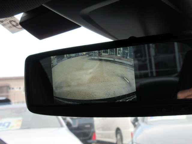 純正オプションルームミラー型バックカメラ搭載♪ 視認性もよく、人気のスタイルとなります♪