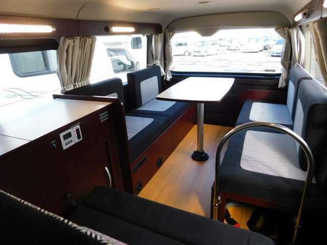 3ナンバー10名乗車可能 リムジンやサロンカーとしての使い方もOKです。