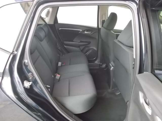 ホンダ車の低床ボディは、チャイルドシートへのお子さまの乗降や荷物の積載もスムーズ