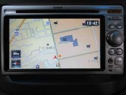 純正ナビ搭載です、大きくて使いやすいボタン配置と地図画面は人気のナビです。