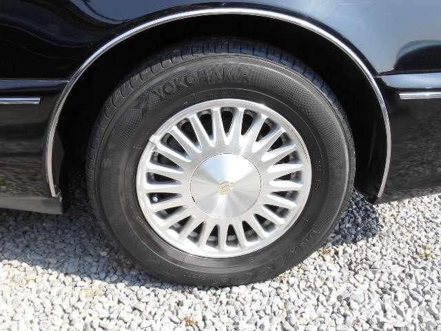 タイヤ4本交換します。