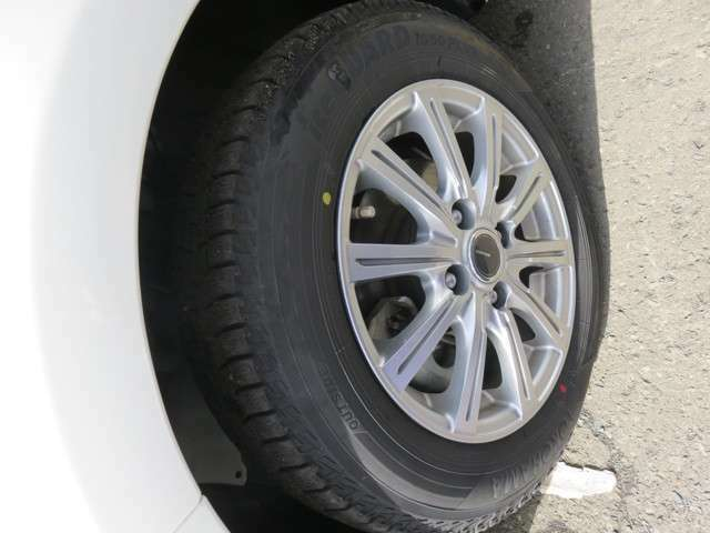 新品タイヤ(ホイール)から中古タイヤ(ホイール)まで幅広く、質や価格などお客様にあわせて徹底的に納得する納品を追及!※無料見積りOK