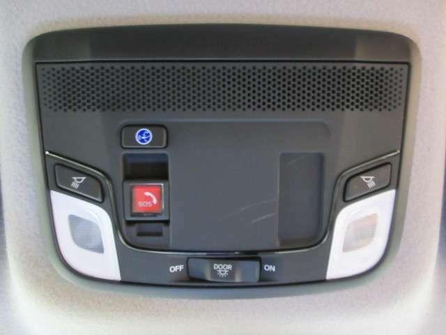 ホンダトータルケアプレミアムにご加入頂くと、車内からの緊急通報機能をご利用できます。