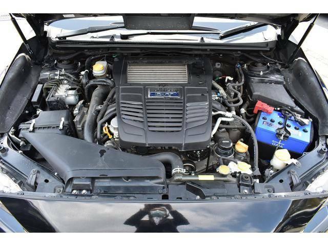 1.6リッター水平対向直噴ターボエンジンです。レギュラーガソリン仕様です。