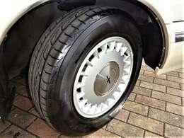 アルミホイールも良好!タイヤも溝有り、使えます!
